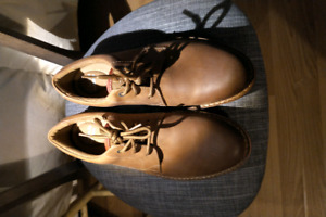 Clarks Edgewick plain tan leather shoes (never been worn)