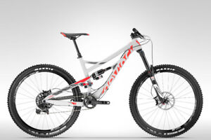 2016 SPARTAN XT  CARBON MSRP $5399 +hst (med and small available