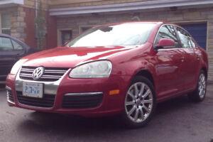 2006 VW Jetta 2.0L Turbo, Nav, Bluetooth, Sunroof, Heated Seats