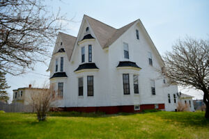 Historical St. Martins Home ( BUSINESS POTENTIAL)