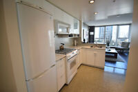 The Max ~ Cozy studio ~Downtown Fully Furnished