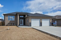 Immaculate custom built home in 5th Ave Estates!!