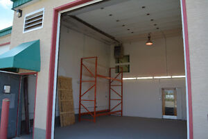 1000 sqft - Industrial/Comercial Warehouse for Rent
