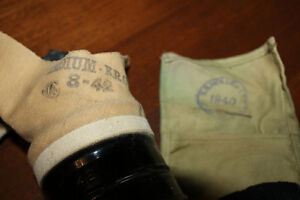 WW2 GAS MASK AND SEWING KIT