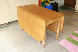 Canadiana Gate Leg Table Comox / Courtenay / Cumberland Comox Valley Area image 4