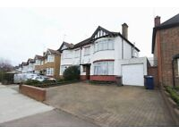 3 bedroom house in Nether Street, Finchley, N31