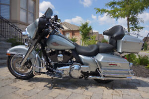 Eletra Glide Classic One-of-a-kind Touring and Bagger All-in-one