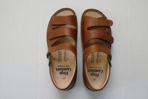 Orthopedic (Orthopaedic} Women's Sandal by Finn Comfort