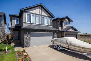 MOVE IN READY! 4 BED, 2 STOREY IN STEWART GREENS!