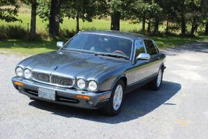 2001 Jaguar XJ8 Vanden Plas Sedan