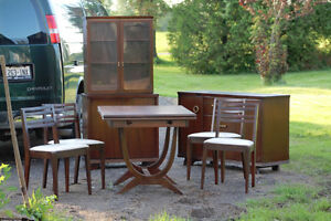 Vintage Mod Retro Dining Table/Chairs/Buffett/China Cabinet