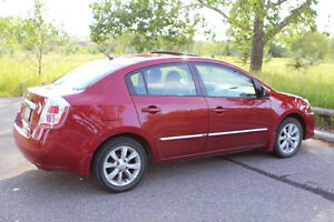 2012 Nissan Sentra 2.0S - 6 speed manual transmission - Sunroof