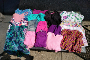 Lot of girls clothes - size 4