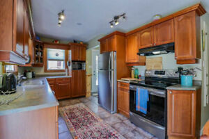 SPACIOUS 3 +2 BED/2 BATH HOME IN SHERWOOD
