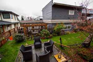 $4995 (ORCA_REF#1141O)**BEAUTIFUL, Luxury Furnished Family Home North Shore Greater Vancouver Area image 4