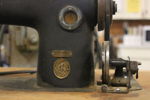 Vintage Industrial Sewing machine Strathcona County Edmonton Area image 4