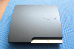 playstation3 with 9 games ( no controller)