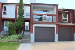 **PRICE REDUCED** Gorgeous 4-level Townhouse in Lorelei