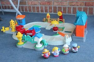 Fisher Price Little People Fun Sounds Train Set