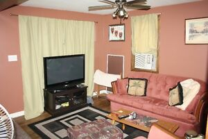 Affordable Centretown Home! Cornwall Ontario image 4