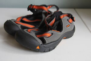 Keen Youth Sandals, size 12