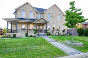 Executive Home Fully Furnished (Dufferin & Major Mac)