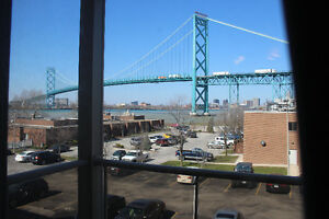 BEAUTIFUL HARBOURVIEW CONDO NEAR UNIVERISTY OF WINDSOR FOR SALE
