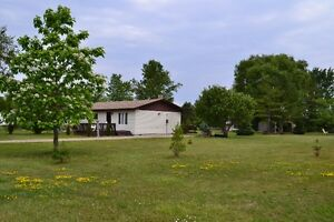 Grand Bend/ Bayfield Great Cottage for rent