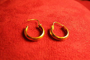 Boucle d'oreilles or 14 carats/ gold earings 14k