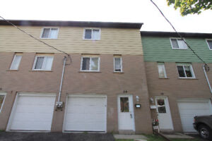 Great 4 bedroom, 1 bathroom townhouse for sale