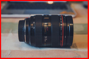 GREAT CONDITION Canon EF 28-70mm f/2.8 USM Lens