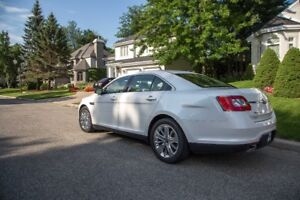 FORD TAURUS LIMITED AWD 2010, CUIR, ROUES HIVER INCLUSES