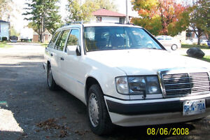 1991 Mercedes-Benz 300-Series leather Wagon