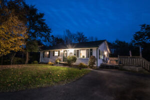 Stunning upgraded Bungalow in Fall River, NS!