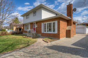4 Bedroom Home On Sagebrush Place OPEN HOUSE WEDNESDAY 5-7PM