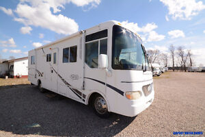 USED MOTORHOME* 28' Class A 2003 R-Vision Trail Lite 271