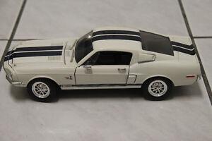 SHELBY MUSTANG GT500K 1968 1/18 WHITE W/ GUARDSMAN BLUE STRIPES