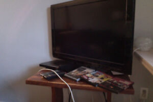 TV (35 inch) + DVD player & HDMI cable