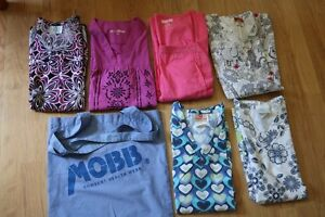 6 Scrub Tops and Mobbs tote bag