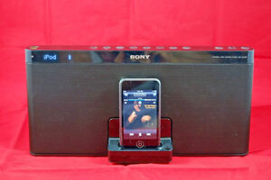 SONY RDP-XF100iP Portable iPod iPhone Speaker Docking Station