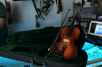 **LIKE NEW** Electric Fiddle with Case