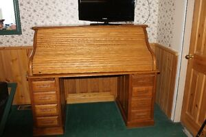 ANTIQUE OAK ROLL TOP DESK-EXCELLENT CONDITION