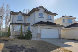 Wedgewood Heights Stunner! Priced to Move!