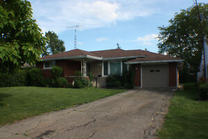 Student rental luxury furnished house 1.5 km from Brock