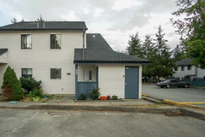 3 beds/1 bath Townhouse for sale in Surrey