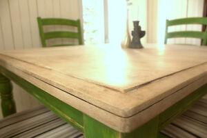 Ensemble de salle à manger vert revalorisé