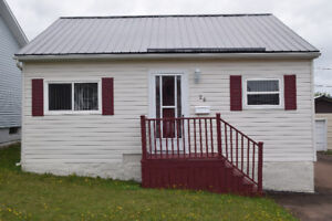 Dieppe-4 bed,1.5bath , fully renovated , finished garage5315745