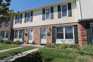 Charming 2 storey townhouse condo in Echo Place.