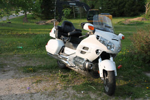 2005 Silver Anniversary Edition Goldwing LOW KMS