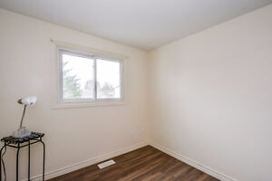 Great Condo Town Home Fully Updated. Live or Rent as Investment Kitchener / Waterloo Kitchener Area image 9